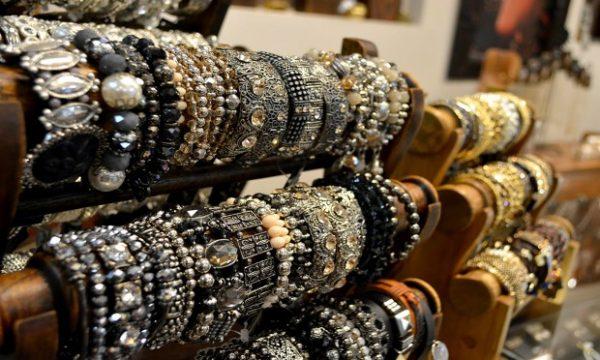 Bijuterias baratas contém metais pesados prejudiciais a saúde